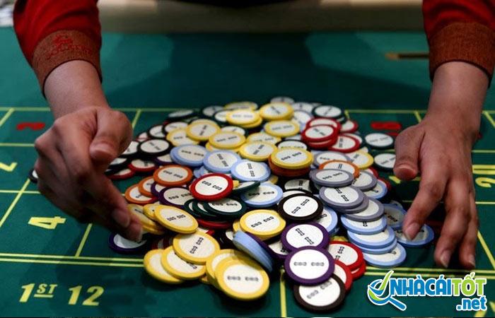 Có nên chọn casino trực tuyến miễn phí?