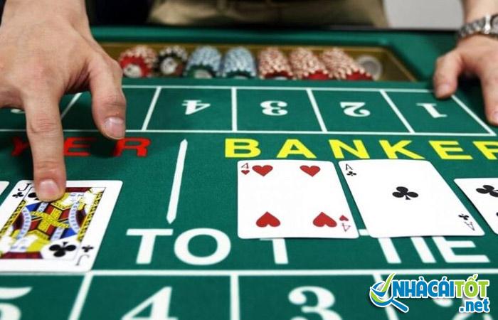 Cách phân định thắng thua trong luật chơi bài baccarat