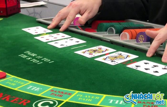 Những lá bài quan trọng trong poker online